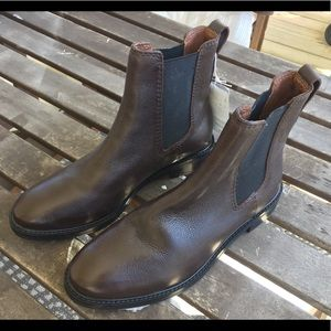 NWT H&M Leather Chelsea Pull On Boot